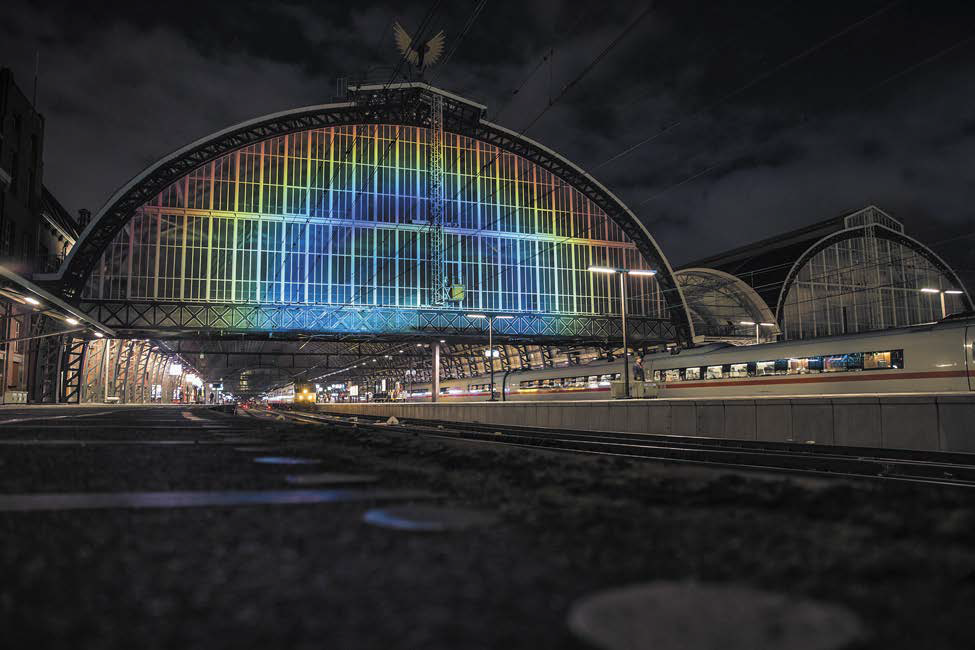 lighting-inspiration-com_iyl2015-final-report_rainbow-station-roosegaarde